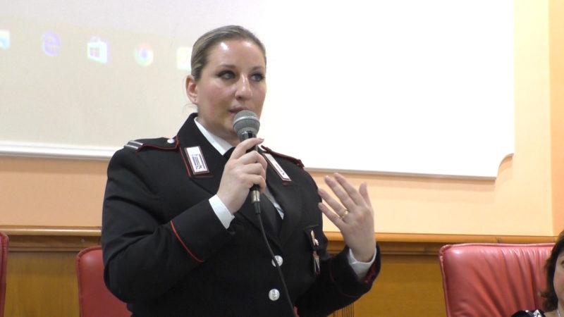 Francesca Bocchino spiega la violenza sulle donne giuridicamente