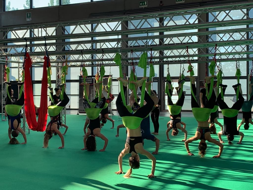 Yoga Antigravity: video