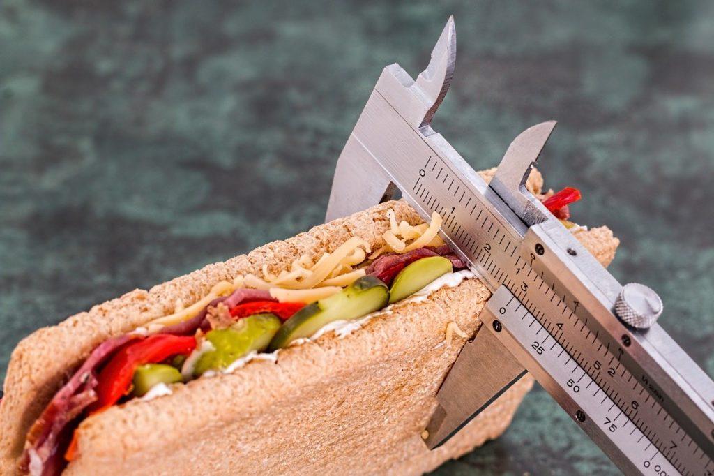 evitare il sovrappeso: i consigli di Denise Caruso