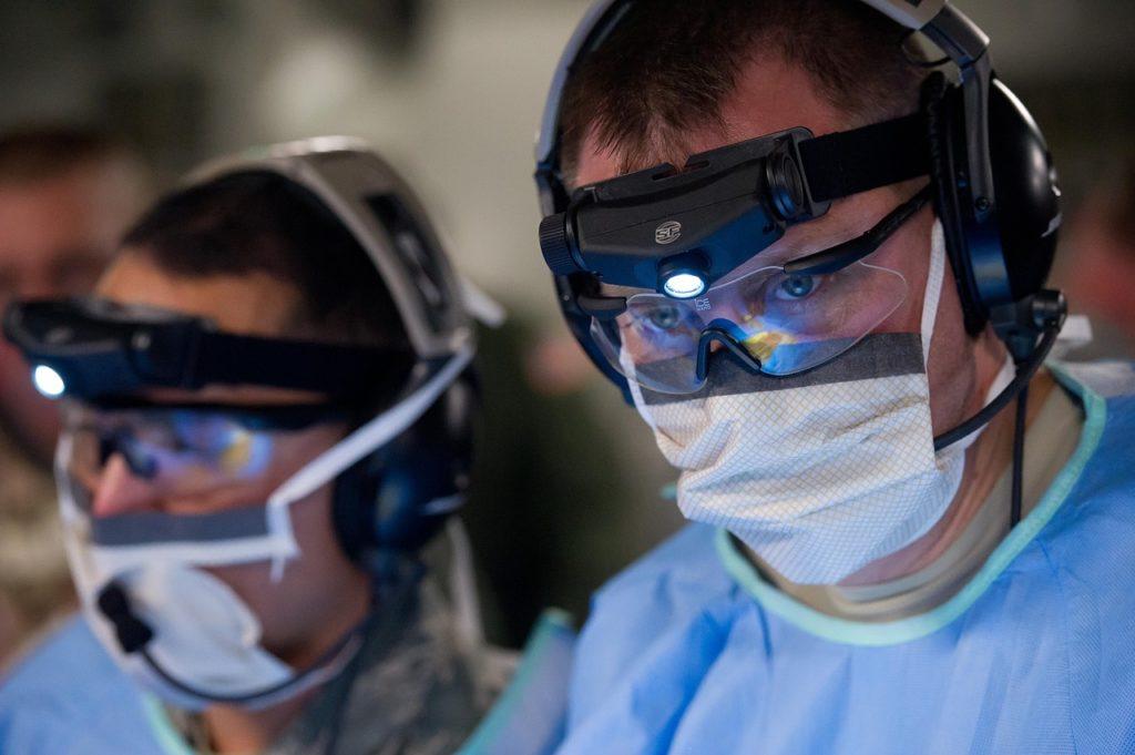 mascherine mediche: il tutorial di Barbara Palombelli