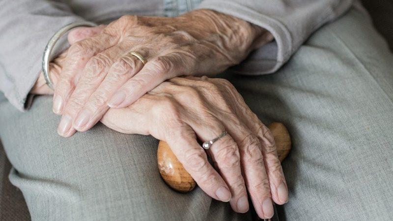 Numero verde per supporto psicologico agli anziani soli