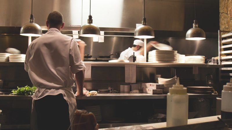 Cosa bisogna fare per incrementare il settore della ristorazione durante questo periodo di crisi causato da Covid-19