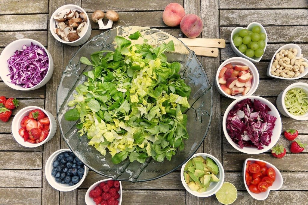 Insalate con fermenti dello yogur: ingredienti