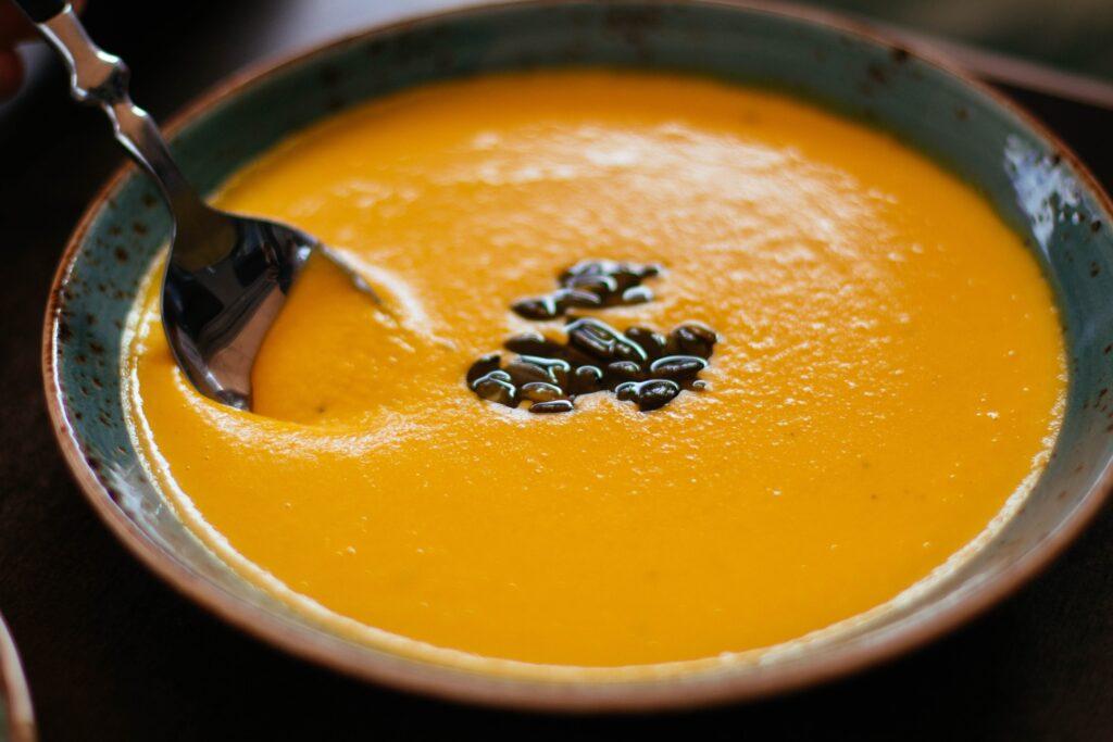 Zuppa di miso, zucca e alga kombu: la ricetta